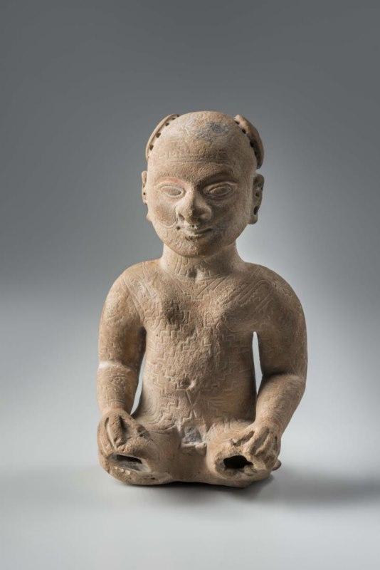 Personnage portant des scarifications. Culture de La Tolita. (- 400 av. J.C. – 400 ap. J.C.). Céramique.© musée du quai Branly, photo de Christophe Hirtz.